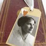 Elegant Edwardian lady gift tag boo..